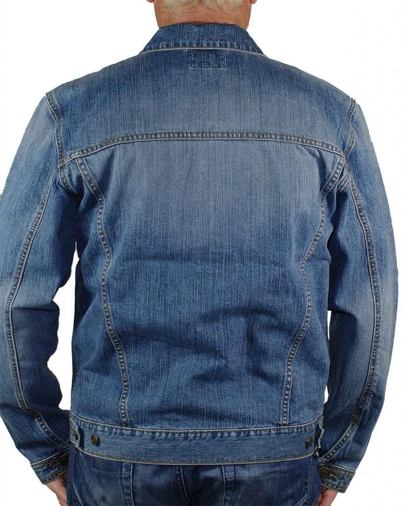 modische_jeans_jacke_hinten