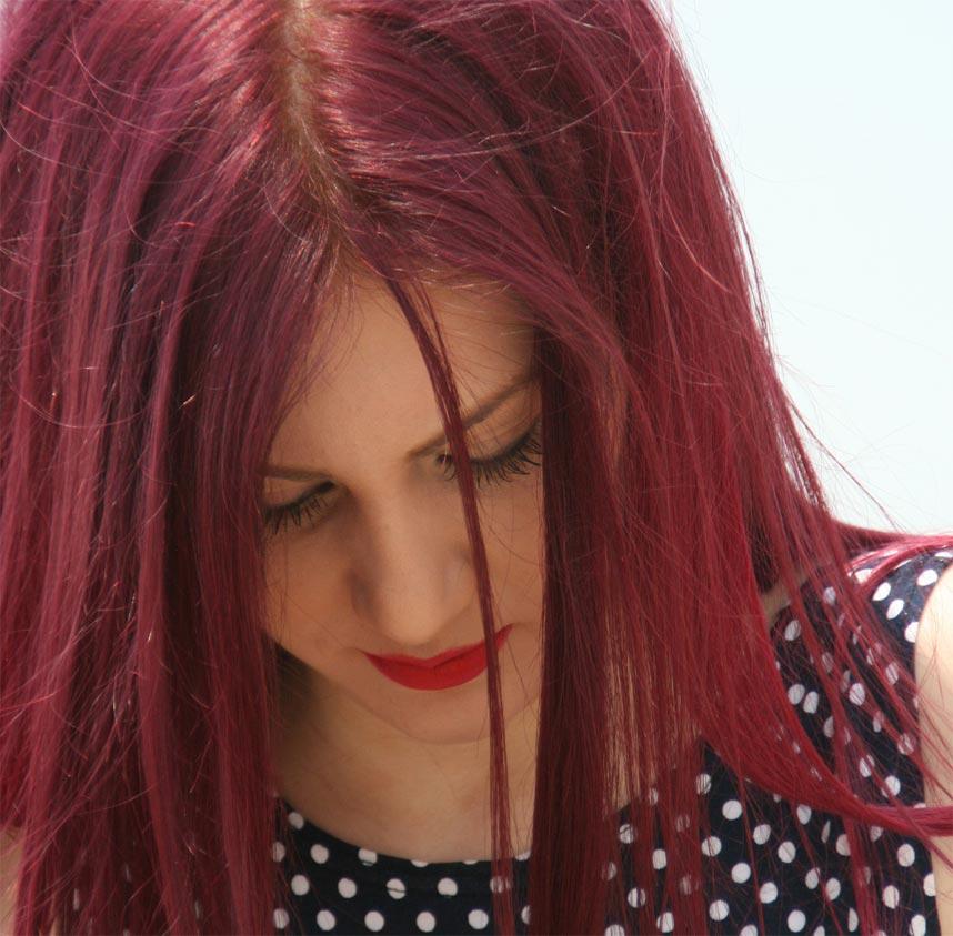 frau-mit-roten-haaren