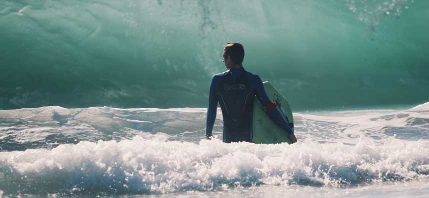 perfekte-welle-zum-surfen