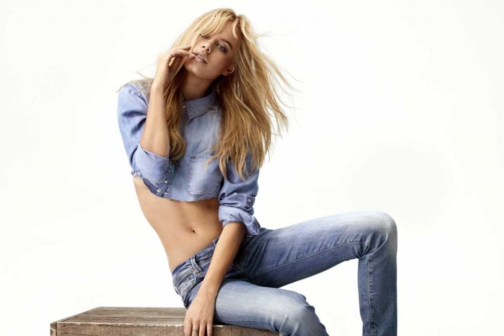 light-blue-jeanshemd-damen