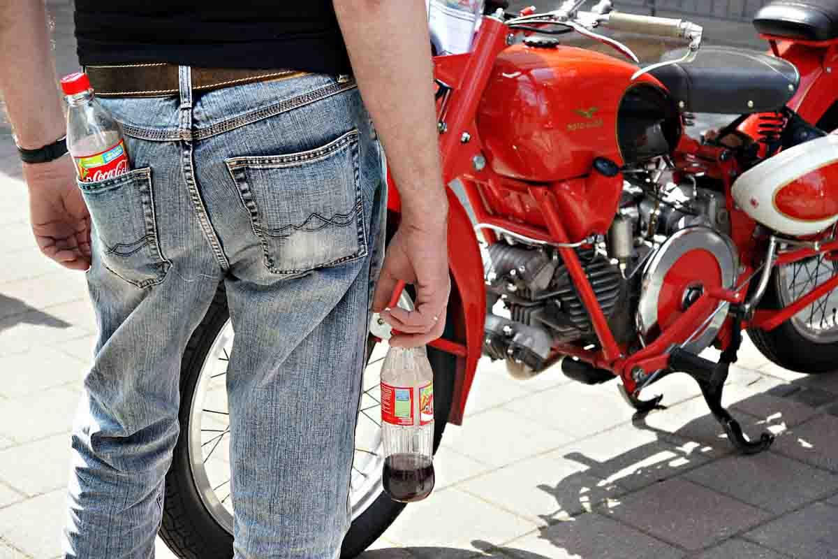 Jeans Cola Motorrad