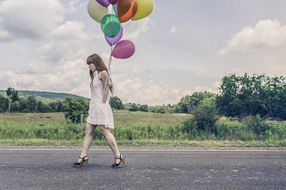 Luftballons Frau Kleid