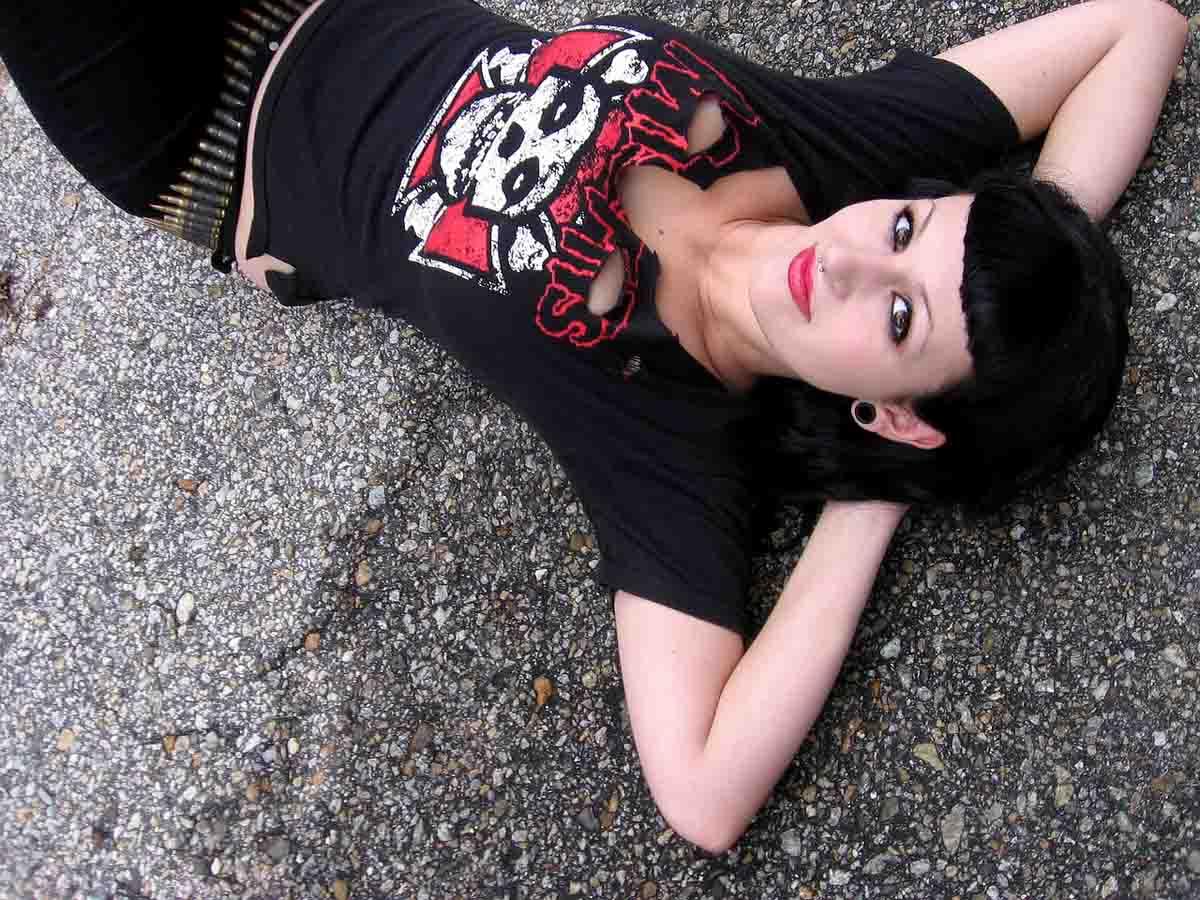 punkgirl-misfits-shirt