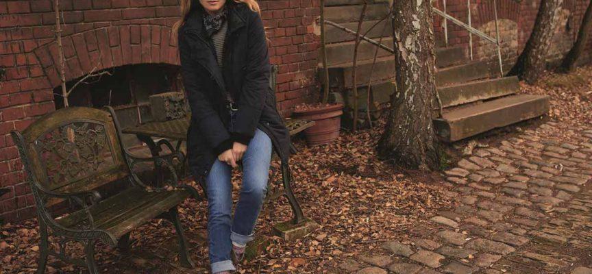 So tragt ihr Jeans im Herbst