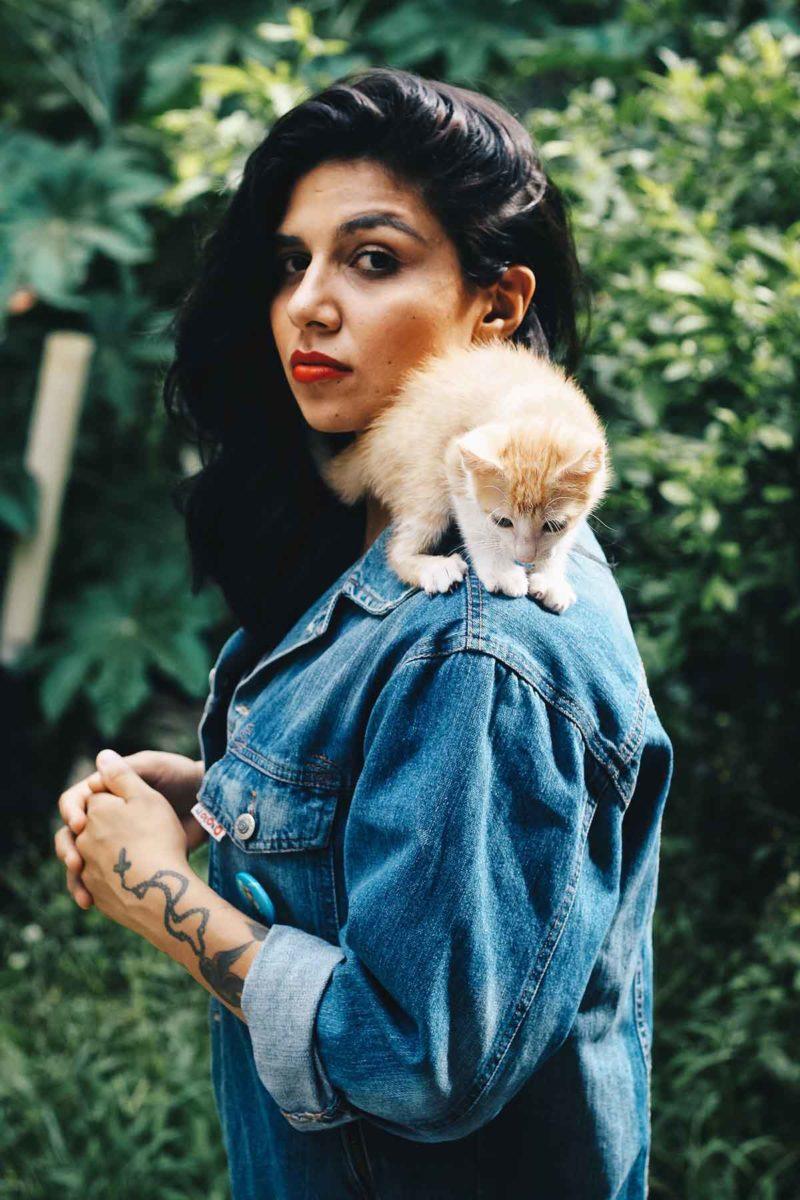 Jeansjacke Katze Frau