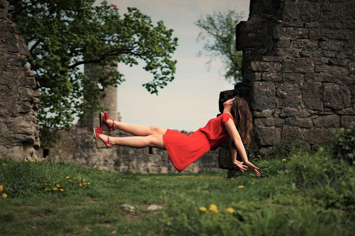Kleid Rot Schweben