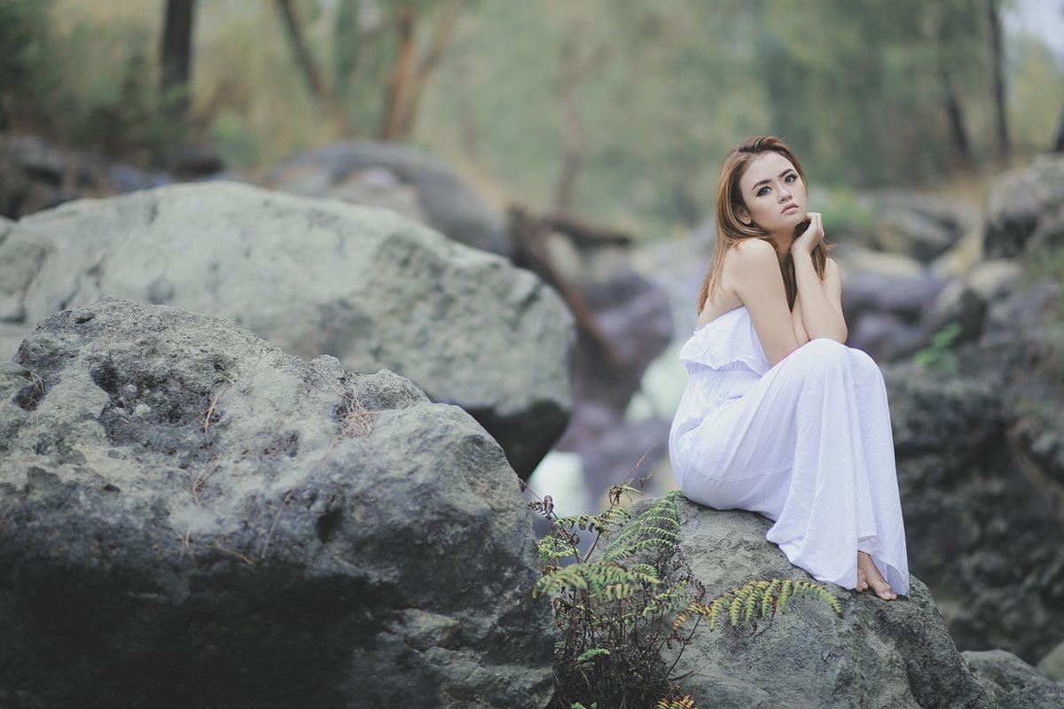 Kleid Weiß Steine
