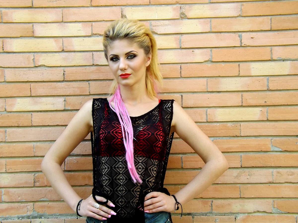 Punk Netztop BH Blondine