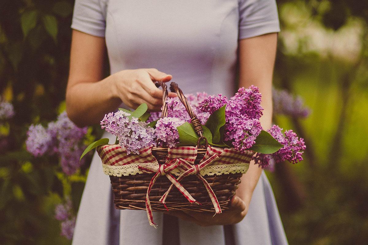 blumen korb kleid violett